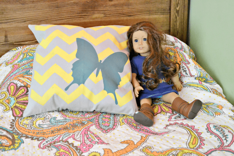diy-stenciled-pillow