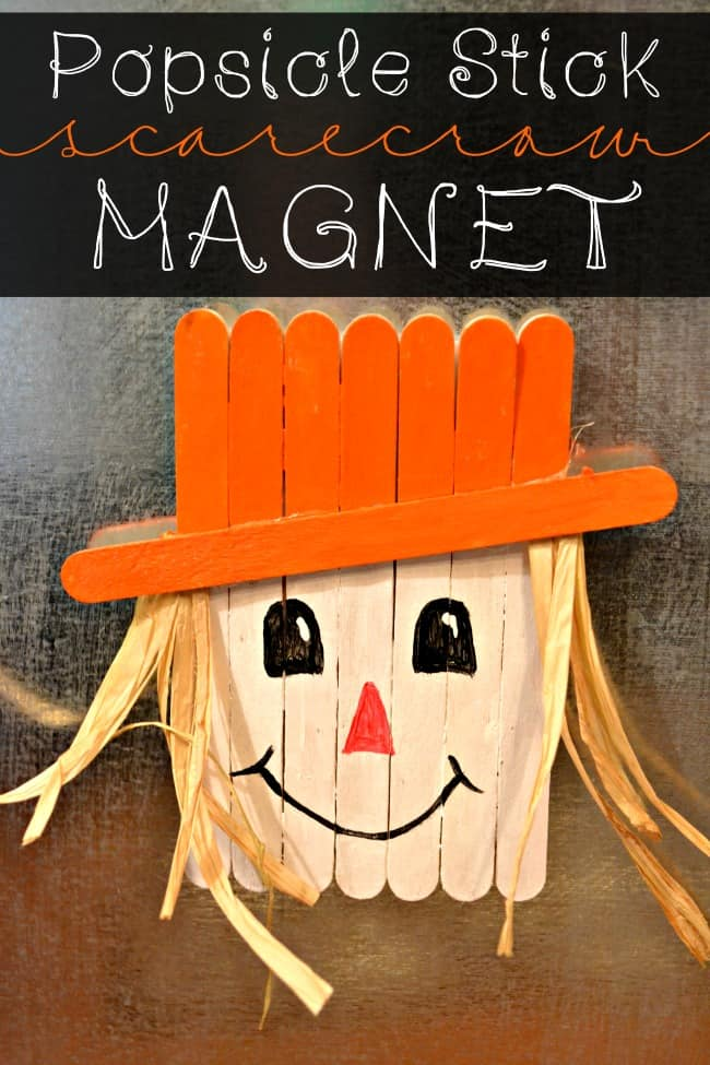 Learn how to make this super easy and quick popsicle stick scarecrow craft for kids. The perfect non-scary craft, perfect as a magnet to hang onto the fridge.