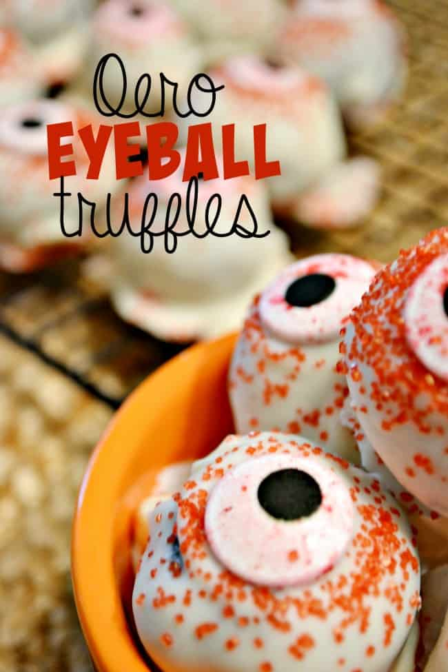 The recipe for Eyeball Oreo Truffles is simple, fast and delicious! You only need three ingredients to make these Halloween treats.