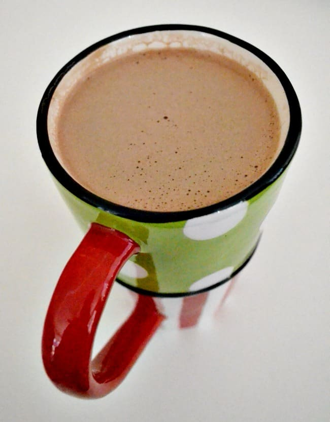 The best homemade hot chocolate! Starbucks copycat recipe