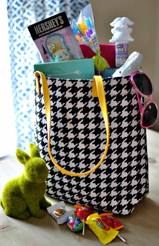 Looking for Easter basket ideas for tweens and teens? How about try these basket filler ideas. Great ideas for girls and boys!
