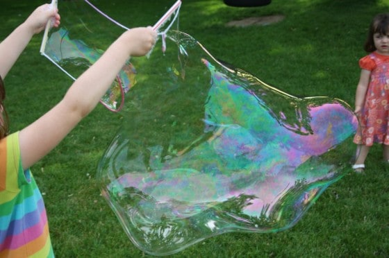 Homemade_Giant_Bubbles