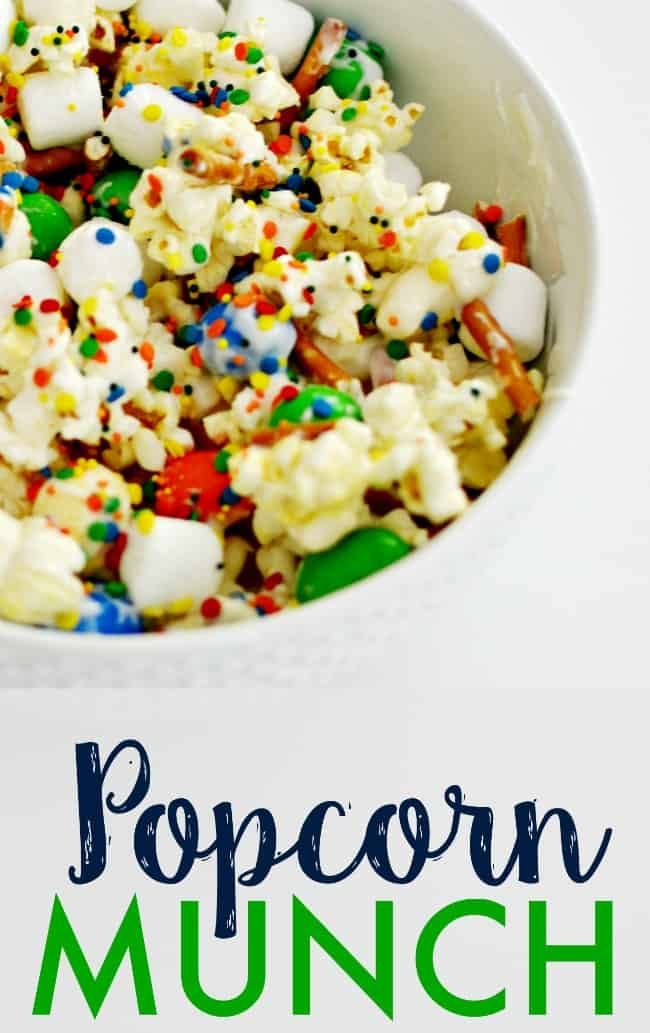 Get ready for your family night with this yummy popcorn munch. Great idea for movie night and birthday parties.