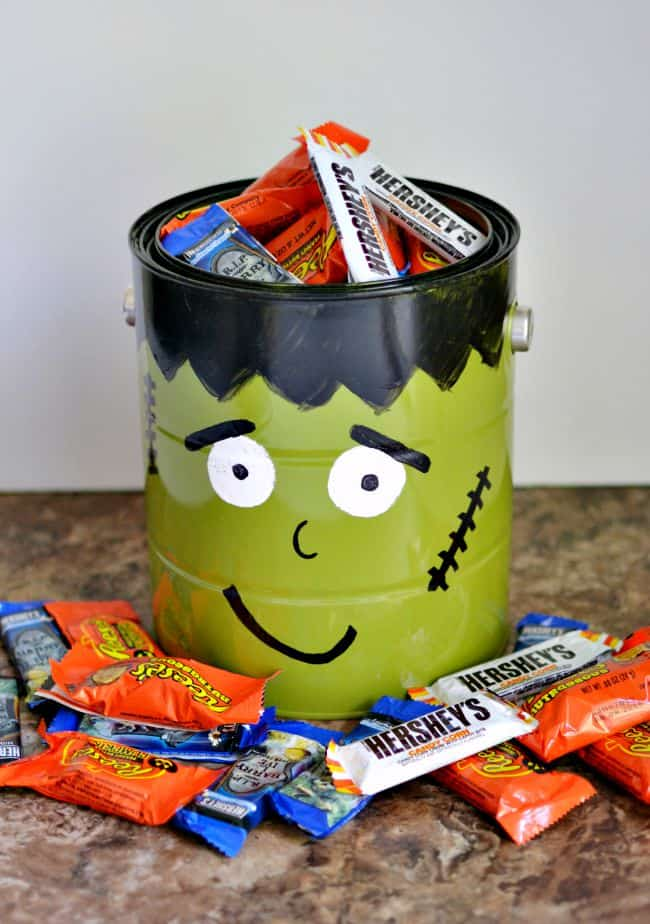 Frankenstein candy bowl... super simple and easy to make for your next Halloween party.