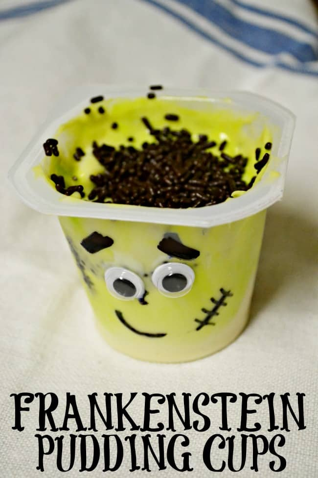 Turn a simple cup of pudding into the perfect class Halloween party treat with these super cute Frankenstein pudding cups. #Frankenstein #Halloween #puddingcups #classroomsnack #classroomtreats