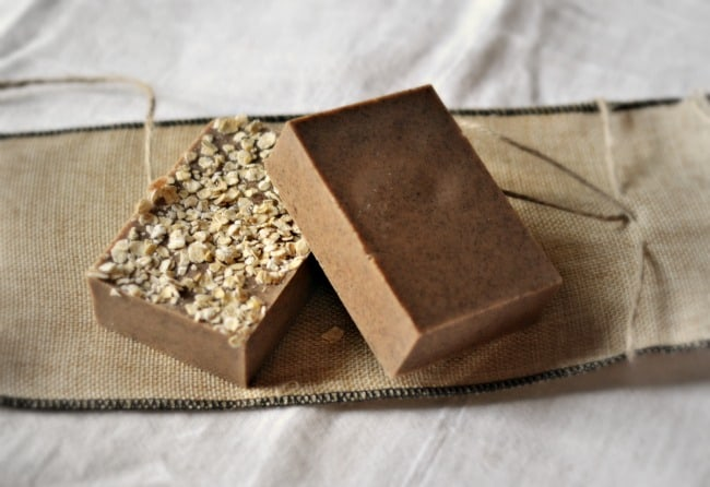 Love this recipe for homemade pumpkin spice goat's milk soap. It smells divine with a creamy pumpkin and hint of spice scent. Just like fall! Great gift idea too!