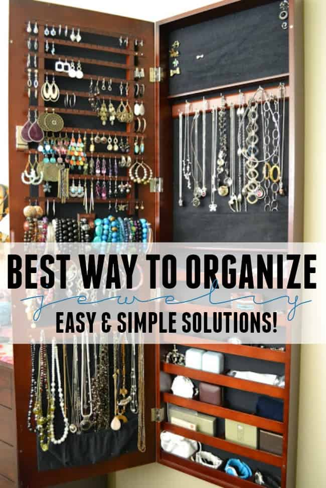 Learn the best way to organize jewelry. Check out these easy and simple solutions to fix that mess of tangled earrings, necklaces and more.