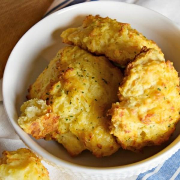 Red Lobster Cheddar Bay Biscuit Recipe (Copycat Version)