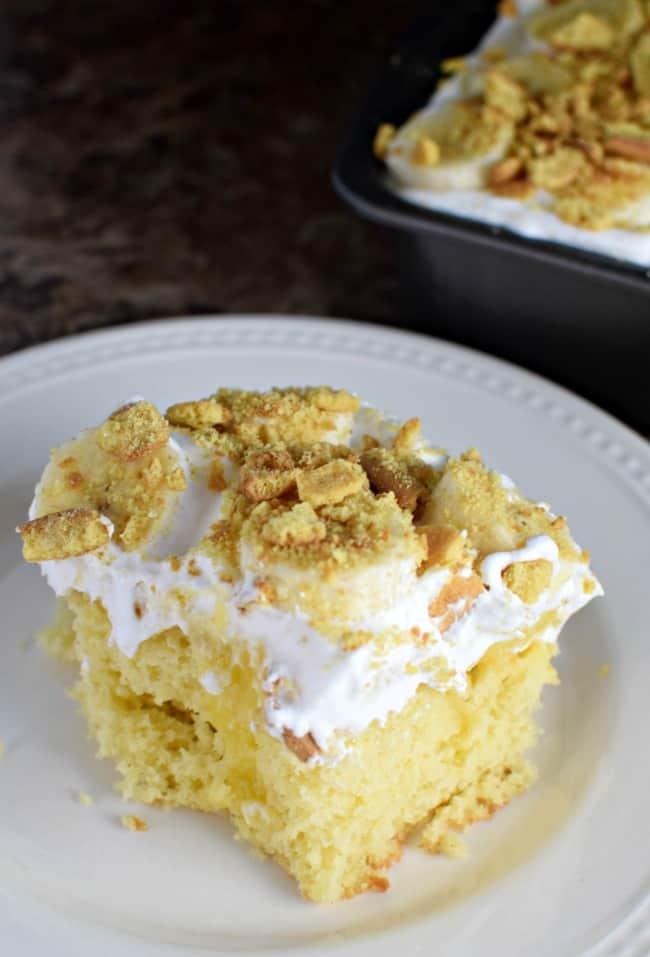 If you love Banana Cream Pie then this Banana Pudding Poke cake will be your new go to. Topped with yummy fresh bananas and crunchy vanilla wafers.