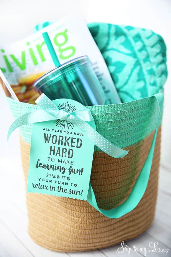 end-of-year-teacher-gift-beach-tote