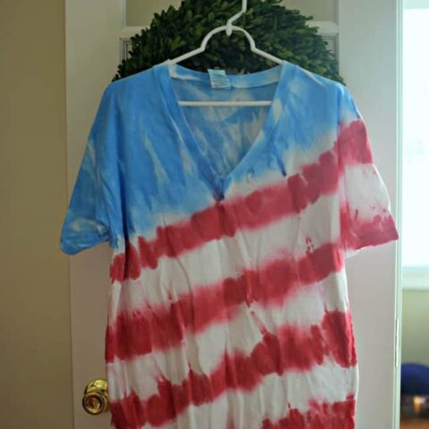 Learn how to make tie dye shirts easily with these simple steps. This American flag pattern is perfect for the 4th of July.