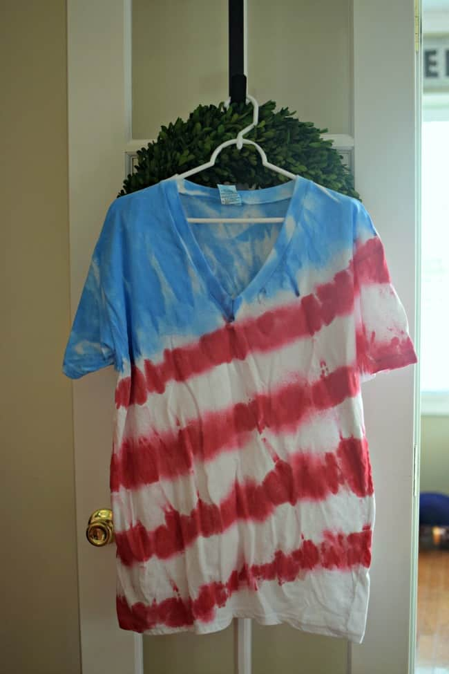 Make Tie Dye Shirts with these easy steps