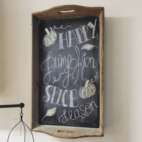 Looking to up your chalkboard game this fall? Check out these awesome Halloween Chalkboard Art designs that will be perfect for this Halloween.