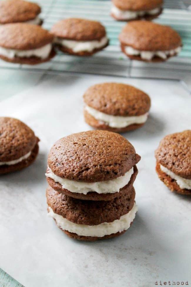 gingerbread-whoopie-pies