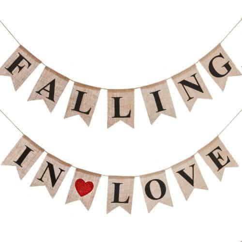 falling-in-love-burlap-banner