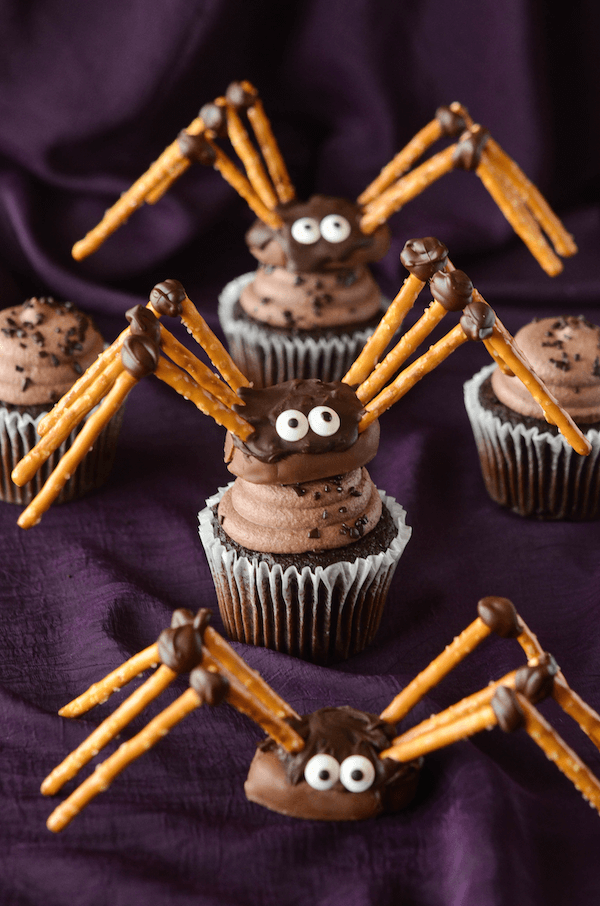 Halloween Cupcake ideas are a must for a frightfully fun Halloween Party.These spooky cupcake recipes & ideas make Halloween so much sweeter for everyone.