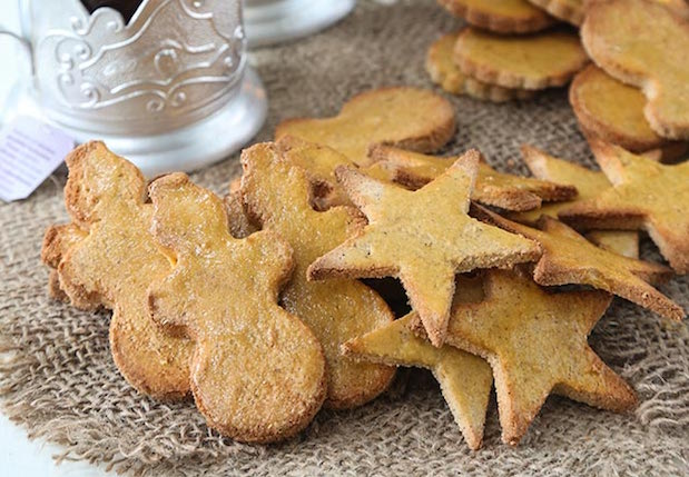 'Tis the season for holiday cookies and we all know how hard it is to resist the carb-laden, sugar-filled treats of the traditional cookie plate.