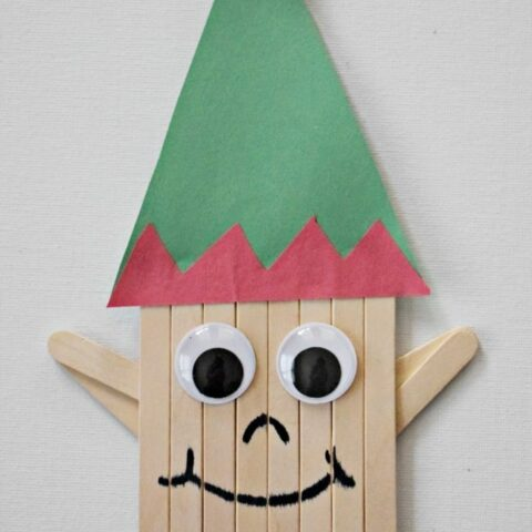 This popsicle stick elf craft is perfect for getting into the spirit of the holiday season. Now that the kids are on Christmas break, pull out the art supplies and get to creating this Santa's little helper.